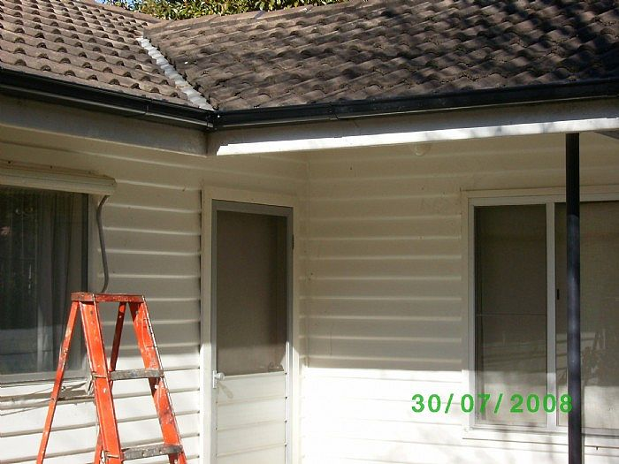 Replacing short sections of gutter is one of our specialities